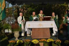 Archbishop-Praying